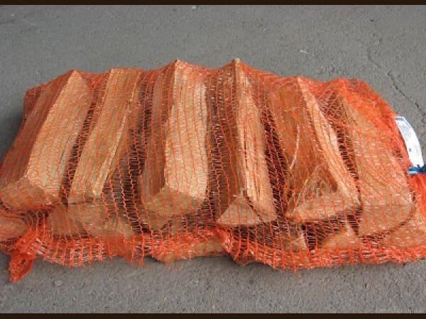 Осиновые дрова в сетках